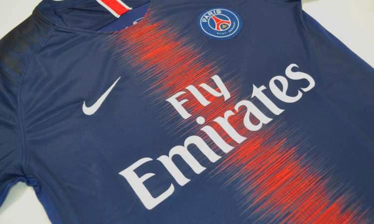 wholesale outlet for sale sold worldwide Le maillot domicile du PSG pour la saison 2018 - Maillots ...