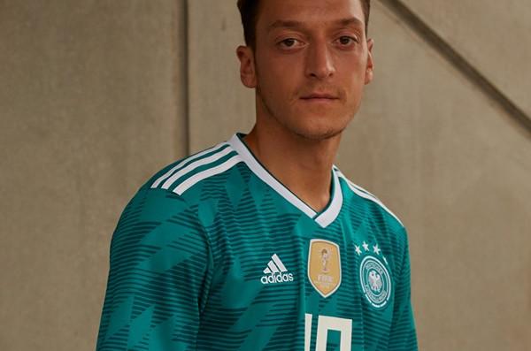 Veste Allemagne Adidas Coupe du monde 2018 blanche